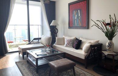 Sofa & Không gian phòng khách căn hộ Metropolis 3 ngủ đủ đồ cho thuê.
