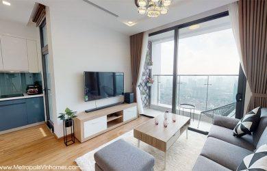 Tivi + kệ tivi phòng khách căn hộ M2.4211A cho thuê giá 1400usd/tháng.